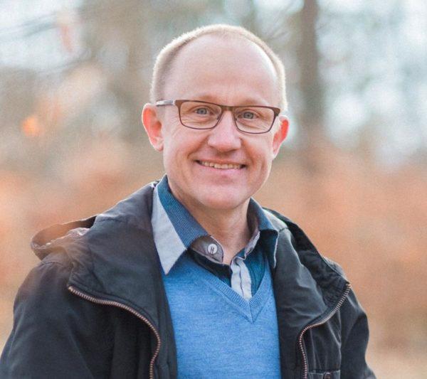 Morgenrot 600x533 - Denis Alias Morgenrot 54 Jahre alt schreibt